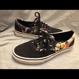 VANS black/floral-Hawaiian low sneakers Sz 7M 8.5W